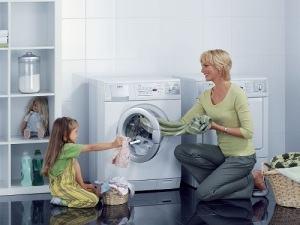 Những Lưu ý cần biết khigiặt đồ cho trẻ
