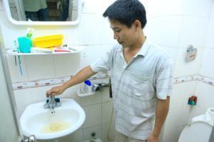 sửa bình nóng lạnh chảy nước yếu