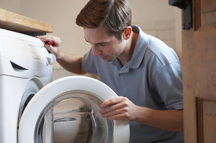 Tại sao máy giặt Electrolux bị rò điện ra vỏ cách khắc phục